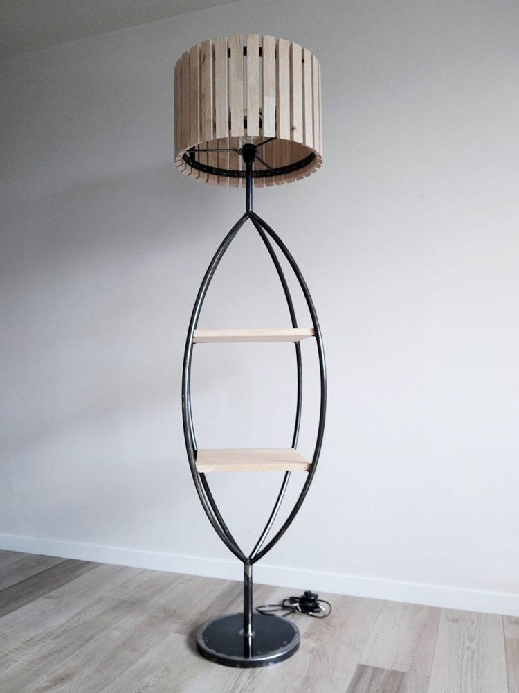 Lampe sur pied en bois et fer réalisée par Anthony Hautbois de Bois et Fer Création