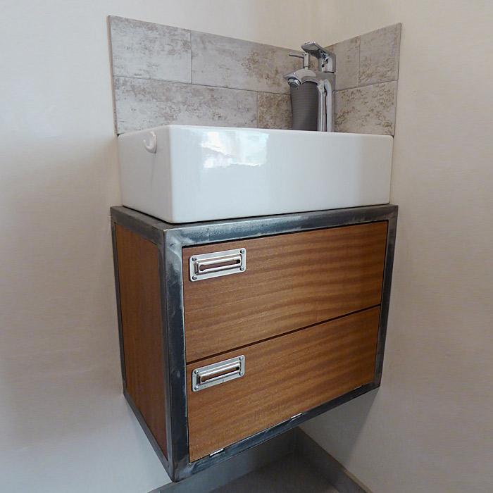 Meuble de salle de bain en bois et fer réalisé par Anthony Hautbois de Bois et Fer Création