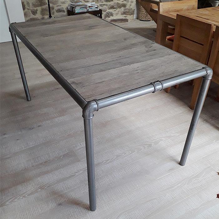 Table de salon en bois et fer réalisée par Anthony Hautbois de Bois et Fer Création